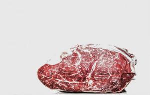 Según la evidencia disponible, hay que limitar el consumo de carne roja.