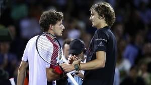 Carreño y Zverev se saludan tras la semifinal de Miami.