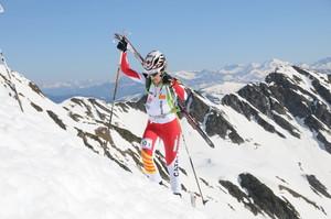 Clàudia Galicia, durant l'ascensió en una prova d'esquí de muntanya.