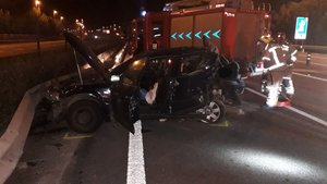 El coche accidentado en Cubelles.