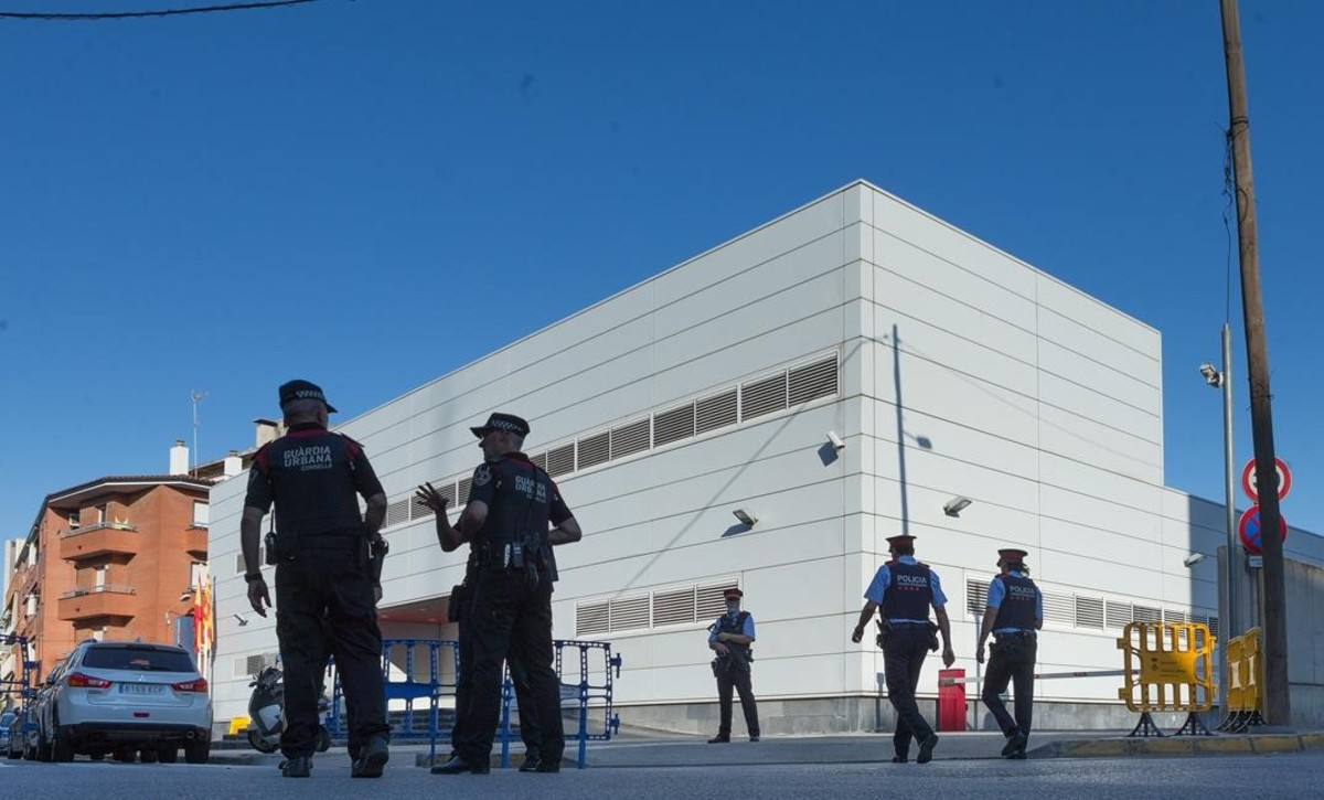 Comisaría de los Mossos dEsquadra en Cornellà.