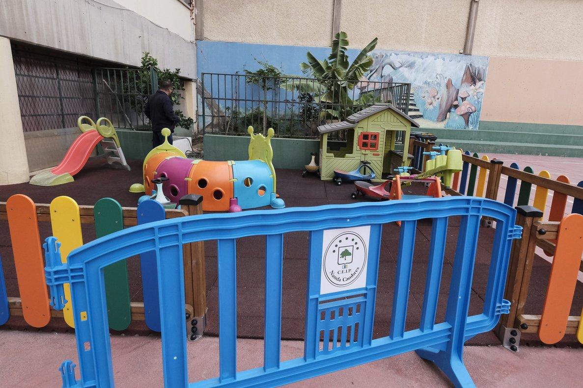 Un colegio de Las Palmas (Canarias), cerrado por el coronavirus.