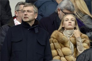 Dmitri Rybolovlev con su exmujer Elena en un partido del AS Mónaco.