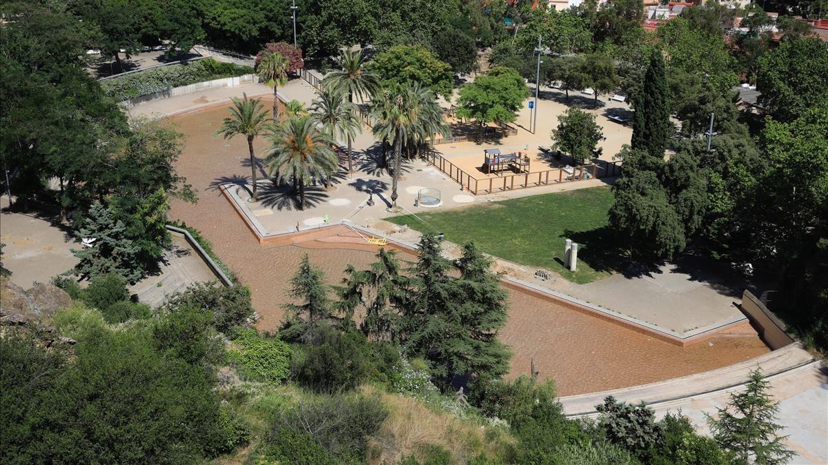 La piscina del parc de la creueta no obrir aquest estiu for Piscina municipal mataro