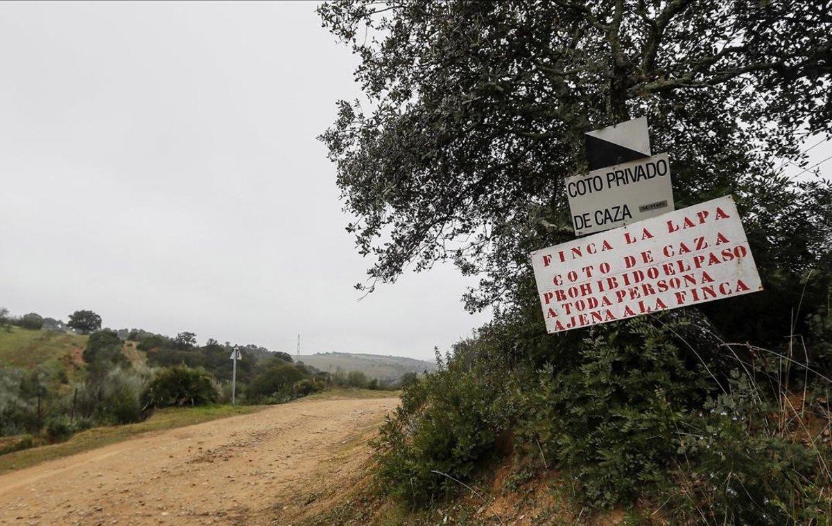 La finca 'La lapa' en la localidad sevillana de Burguillos, donde un niño de cuatro años ha muerto de un disparo durante una cacería.