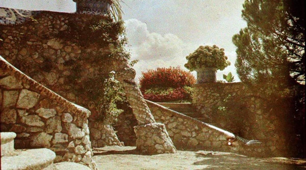 Una fotografía inédita de un jardín desaparecido del parque Güell (1915), que se presentará en el segundo Congreso Mundial sobre Gaudí.