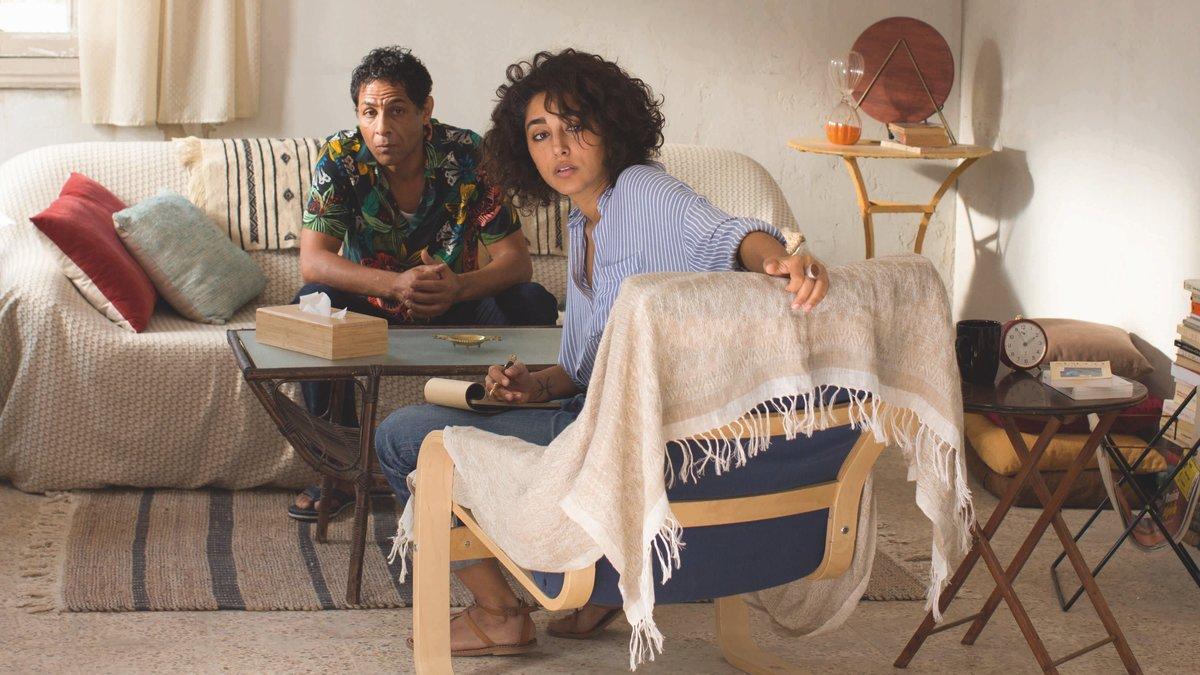 Golshifteh Farahani y Hichem Yacoubi, en 'Un diván en Túnez'