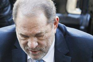 Weinstein encara un máximo de 29 años de cárcel.