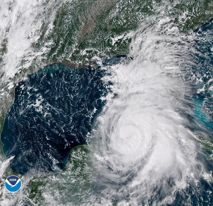 USA10 - COSTAS DE EE UU - 8 10 2018 - Fotografia cedida por la Administracion Nacional Oceanica y Atmosferica de los Estados Unidos NOAA el 8 de octubre de 2018 que muestra una imagen satelital Geo-Color del huracan Michael que se aproxima a la costa de los EE UU Michael se convirtio hoy 8 de octubre de una tormenta tropical a un huracan de categoria 1 y se espera que continue fortaleciendose EFE NOAA SOLO USO EDITORIAL NO VENTAS