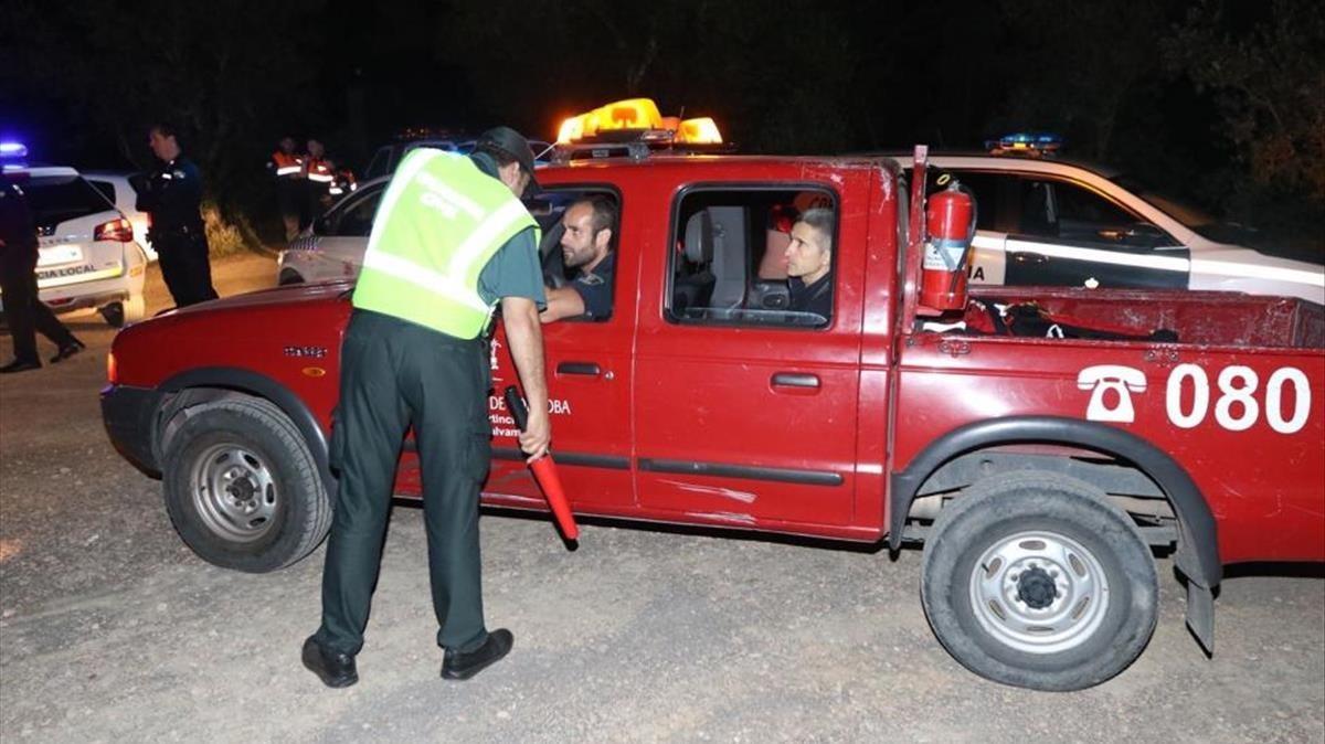 Imagen del operativo de esta noche en los Baños de Popea, Córdoba.