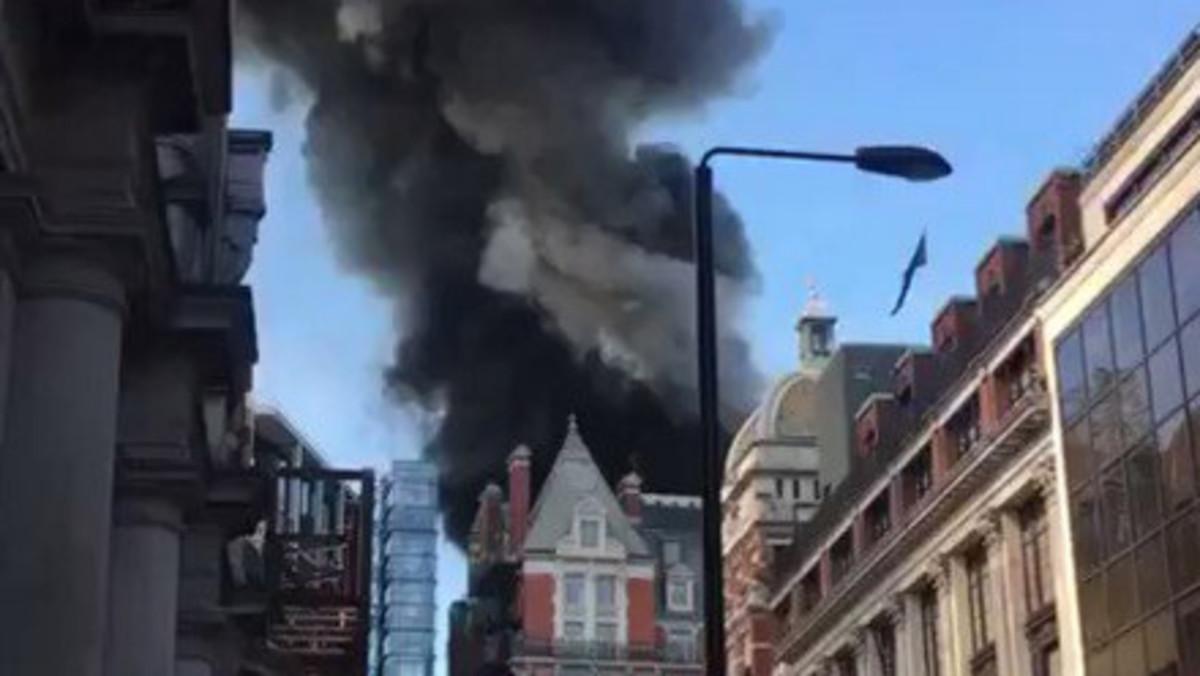 Imágenes del fuego en el centro de Londres