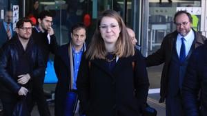 Janet Sanz, este martes, a la salida de los juzgados de Barcelona.