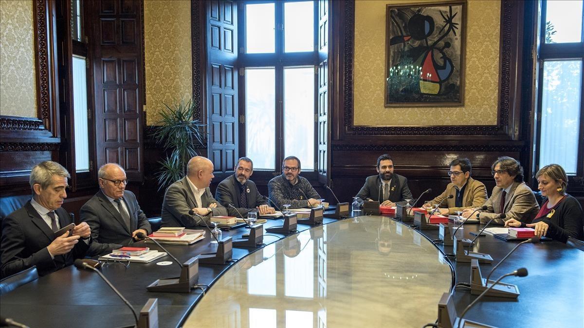 JxCat i ERC aprofundeixen el distanciament per la investidura de Puigdemont