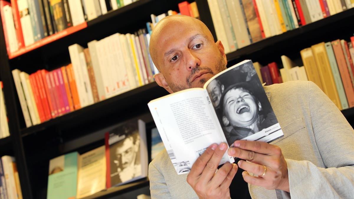 Jorge Carrión, en la librería La Central de la calle de Mallorca.