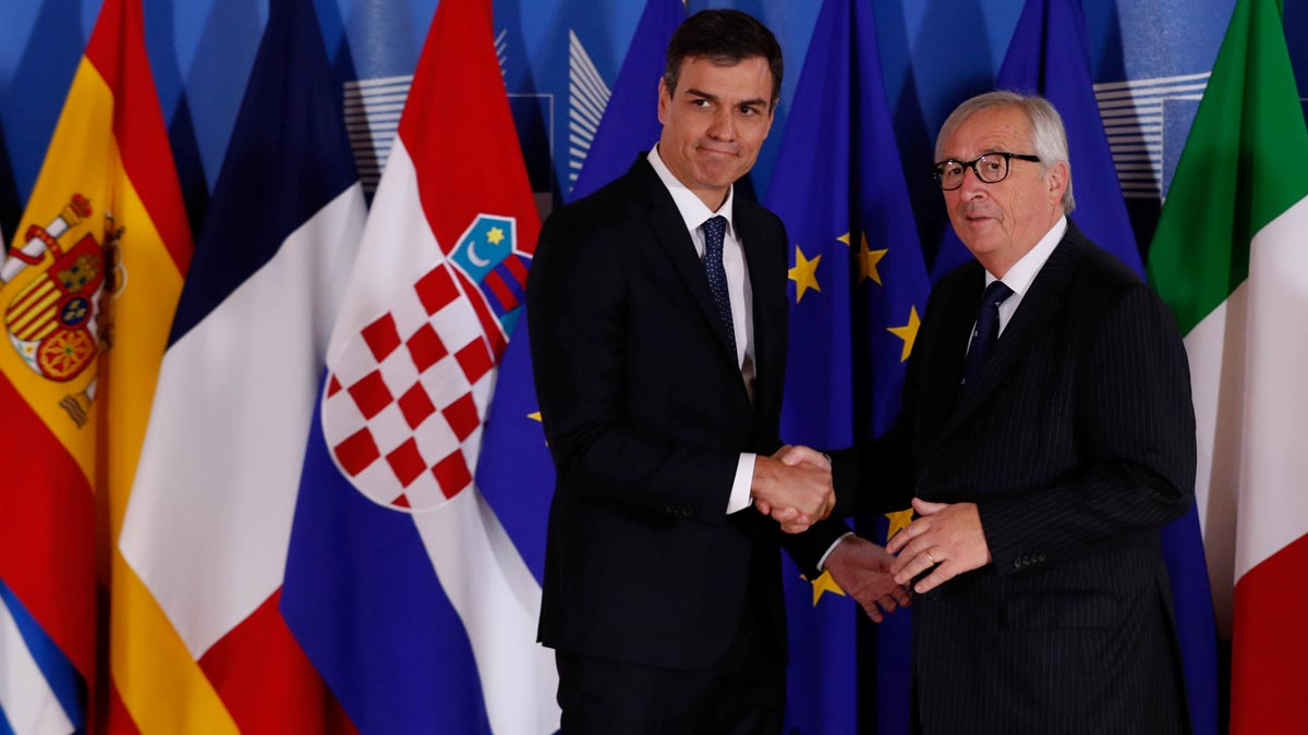 Juncker apoya a Sánchez pero avisa que los fondos para migración son limitados.