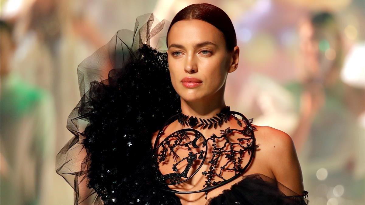 Irina Shayk, en el desfile de Jean Paul Gaultier.