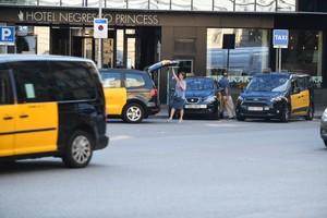 Los taxis vuelven a circular con normalidad por las calles de Barcelona.