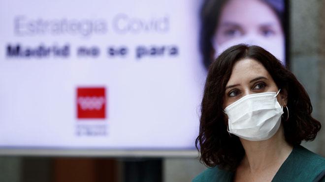 Madrid hace obligatoria la mascarilla. En la imagen, la presidenta de la Comunidad de Madrid, Isabel Díaz Ayuso, durante la presentación de la estrategia de continuidad del coronavirus en Madrid,