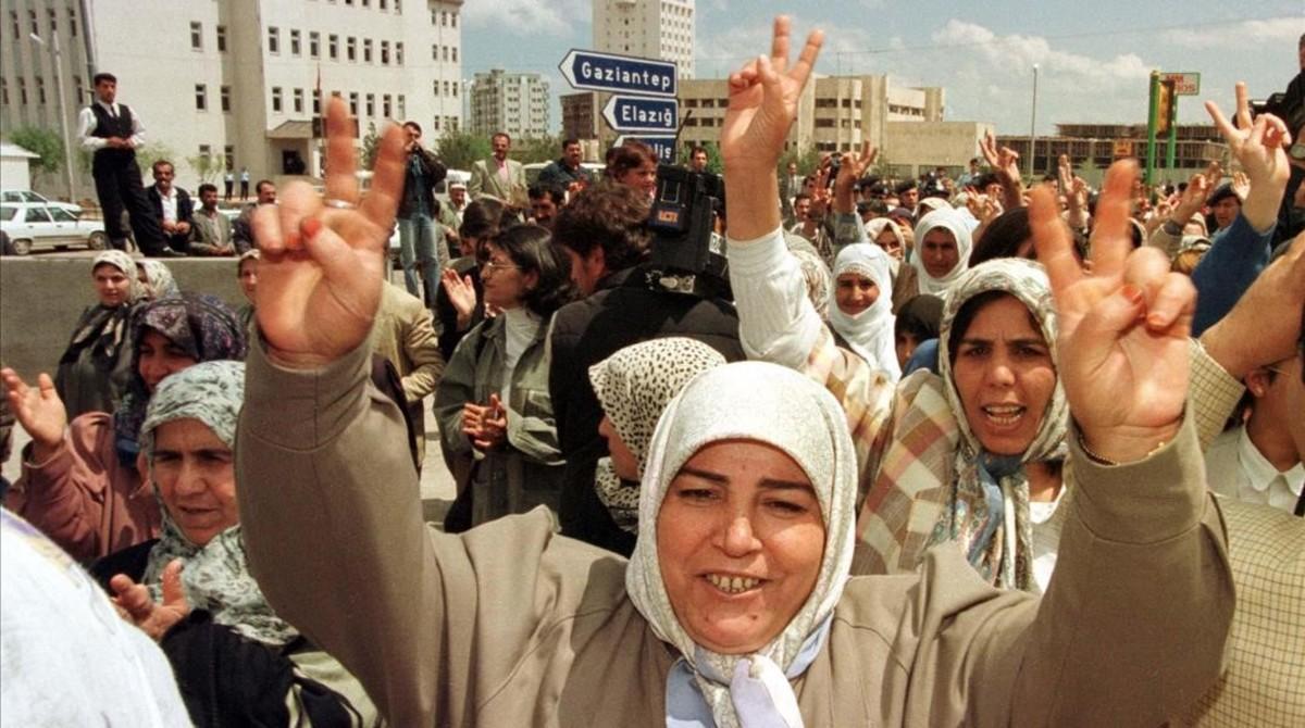 Manifestación en la ciudad kurda de Diyarbakir.