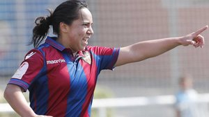 La mexicana Charlyn Corral, jugadora del Levante UD, fuepichichi de la liga la pasada temporada