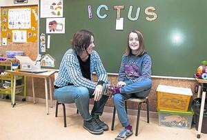 """Àngels Llopis: """"Núria sufrió el ictus a los 4 años"""""""