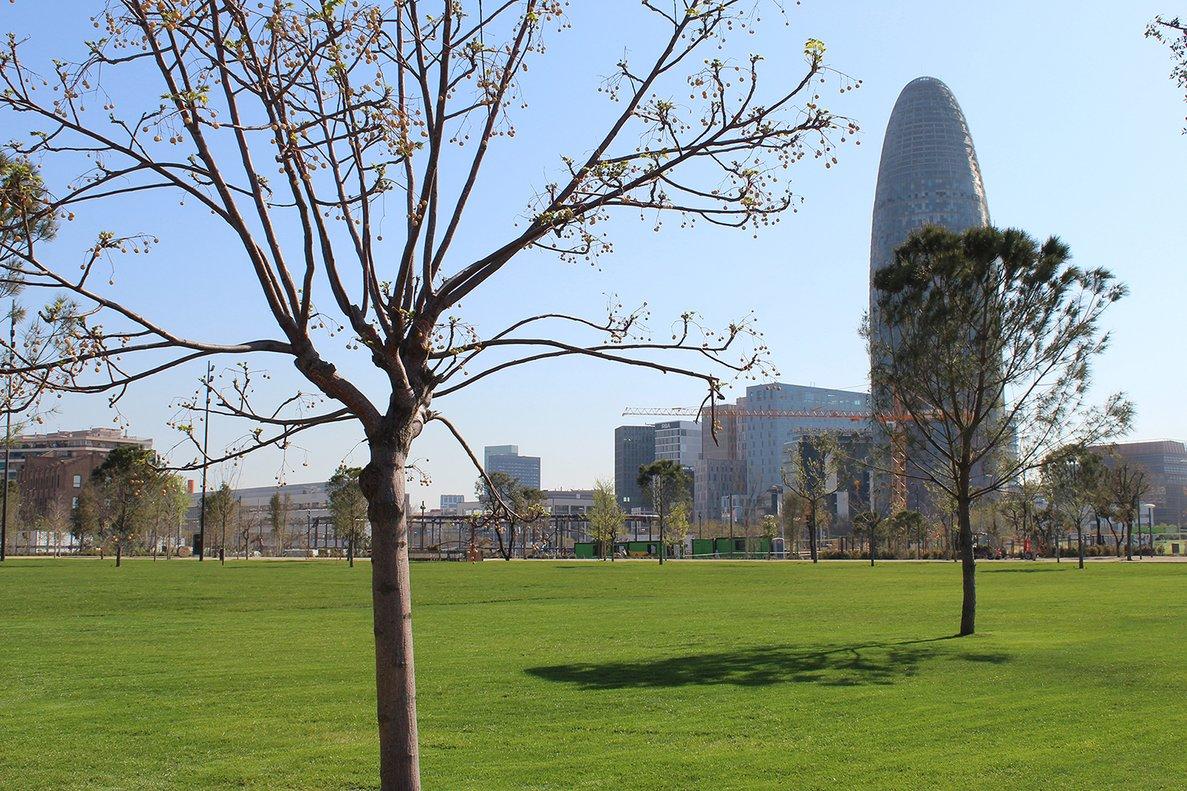 El parque de las Glòries de Barcelona abre hoy una nueva zona verde