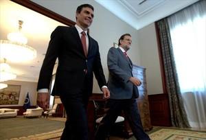 El presidente Mariano Rajoy y el líder de la oposición, Pedro Sánchez, en una de las reuniones que mantuvieron en el Congreso.
