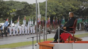 El presidente de Sudáfrica, Jacob Zuma, en undesfile militar el pasado martes.