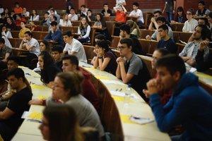 Pruebas de selectividad en la Facultad de Biología, en Barcelona.