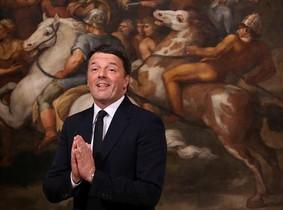 Renzi, durante el acto de renuncia al cargo de primer ministro, en el palacio Chigi, el pasado diciembre.