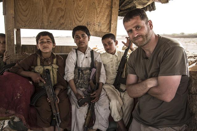 Ben Anderson, en Dejar atrás Afganistán, reportaje de Vice que emite Discovery Max.