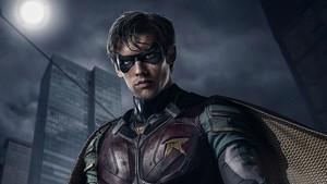 Robin (Brenton Thwaites) en Titans.