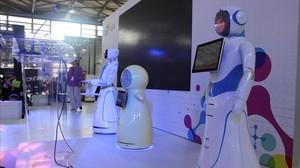 Presentación de robots en la feria CES de Shanghái, uno de los eventos tecnológicos más importantes de Asia.