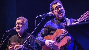 Rodolfo Parada y Patricio Wang, en el concierto de Quilapayún en Barnansants