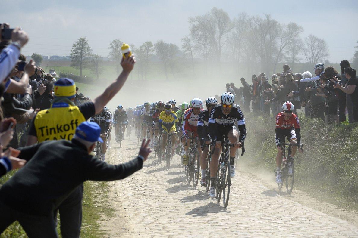 Los ciclistas, durante la última edición que ganó Peter Sagan.