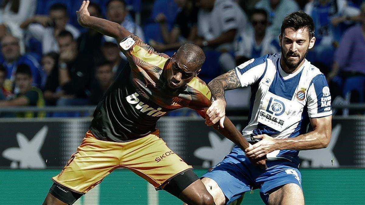 Un Espanyol fràgil encadena el sisè fracàs a Cornellà