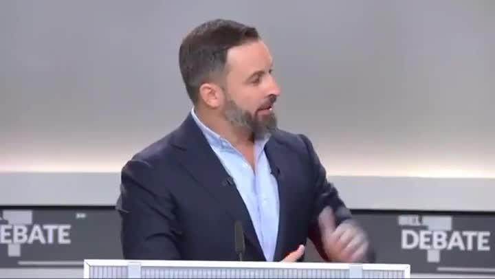 Santiago Abascal y Pablo Iglesias se enzarzan sobre el terrorismo.