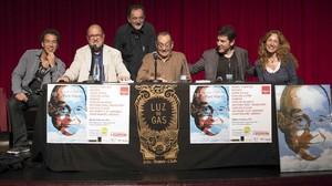De izquierda a derecha: Jonathan Jiménez, Carles Flavià, Pep Molins, el pare Manel, Manel Fuentes y Mudit Grau.