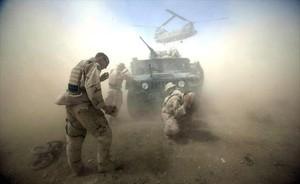 Soldados americanos en Afganistán, durante una operación realizada en el 2004.