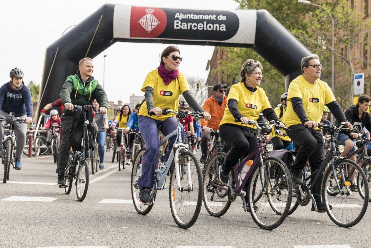 Una edición anterior de la Fiesta de la Bicicleta de Barcelona, que se celebra este domingo 24 en el paseo de Lluís Companys.