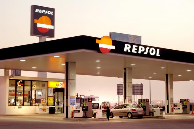 Una estación de servicio de la petrolera Repsol.