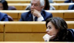La vicepresidenta y ministra de presidencia y asuntos territoriales, Soraya Sáenz de Santamaría, este martes en el Senado.