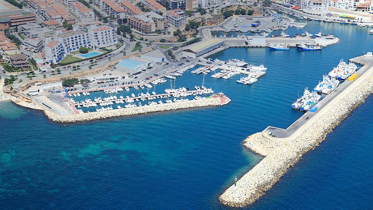 Vista aérea del puerto de lAmetlla de Mar.