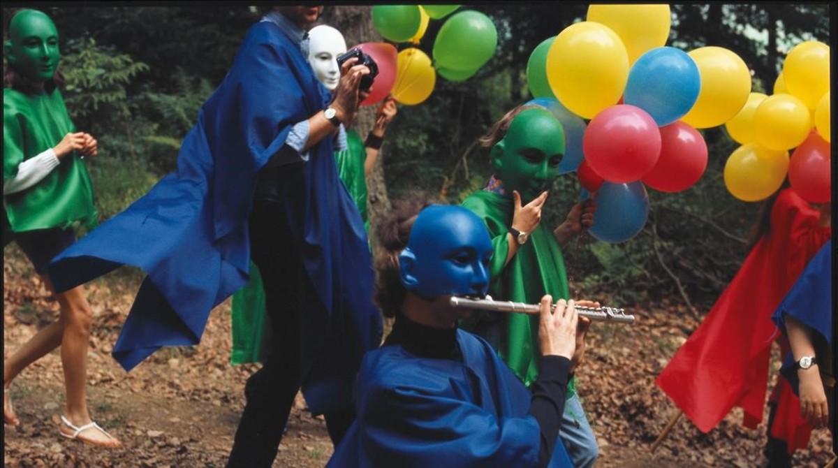 Fragmento de Cérémonials, la películadocumental sobre fiestas y rituales realizadospor Antoni Miralda, Joan Rabascall, Jaume Xifra y DorothéeSelz, y filmados por Benet Rossell.