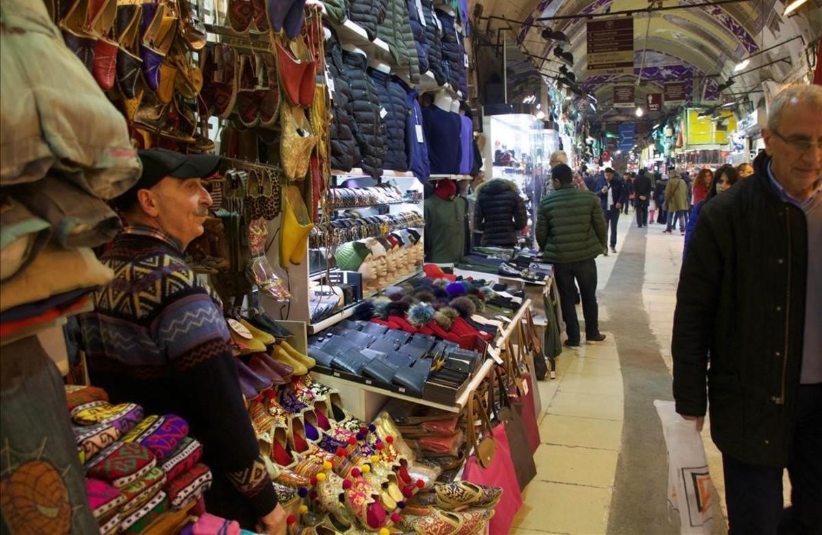 Los sefardíes 'komen' la sopa con 'kuchara'