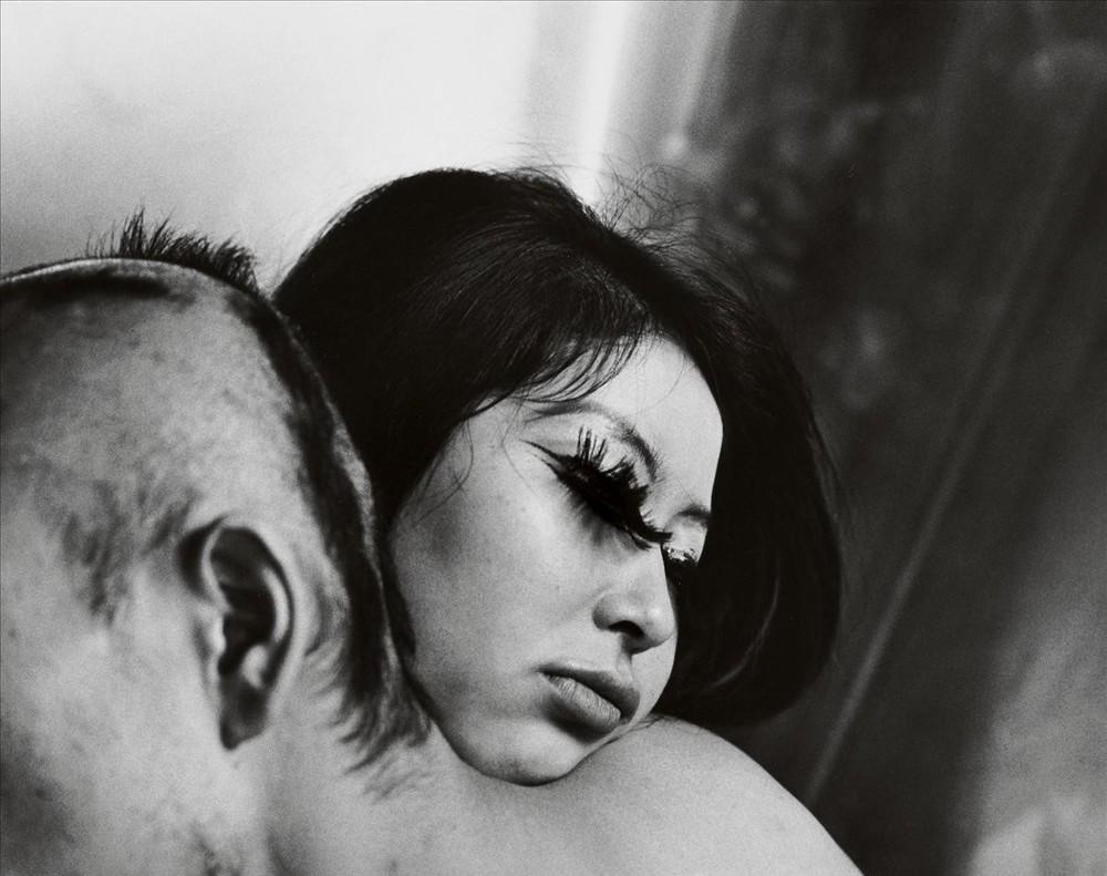 Sangre y rosas, retrato realizado en 1968 para una de las series dedicadas a la sexualidad.