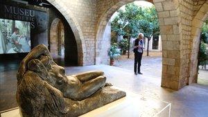 La esculturaNu, de Frederic Marès, acupael patio del Museu Marès en el 70º aniversario del centro.
