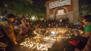 Manifestació per la mort d'una dona en una casa ocupada a Gràcia