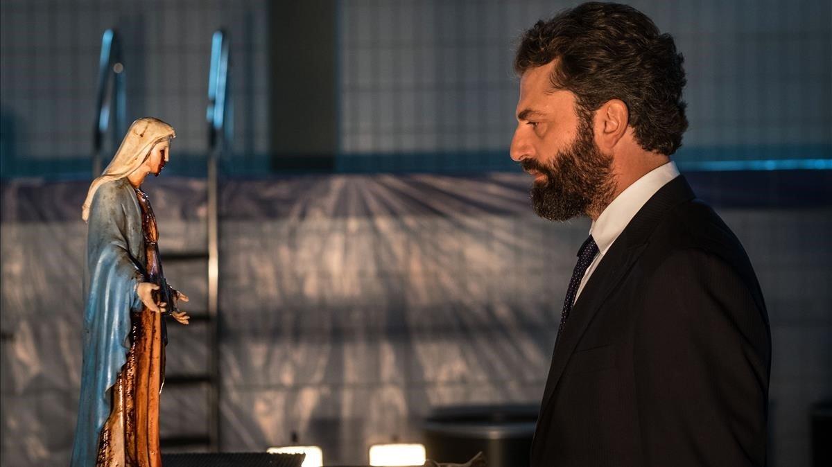 El actor italiano Guido Caprino, en la serie de Sky El milagro.