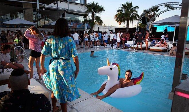 10 'beach clubs' de visita obligada